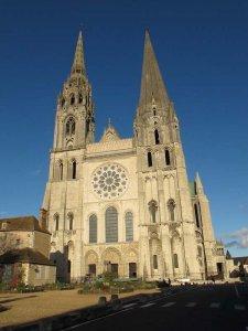 cathedrale-ciel-bleu-1